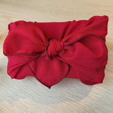 Indlæs billede til gallerivisning Furoshiki 'Berry Red' Limited Unika - X Small / Large