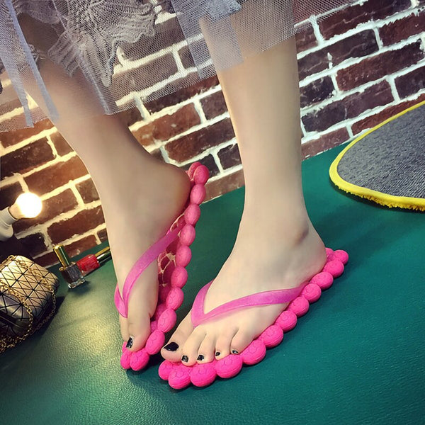2021 New Flat Flip-Flops Women Creative Bubble Sole Shoes Women Non-slip Home Soft Grape Massage Comfortable Women Beach Shoes