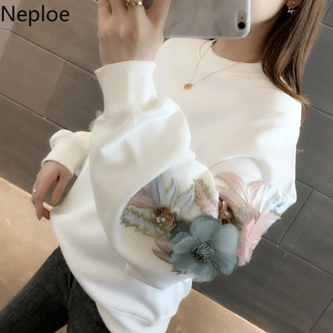 Neploe Thicked Flower Embroidery Hoodies O Neck Long Sleeve Ins Warm Sweatshirt Autumn Spring 2021 New Solid Ladies Top 48207