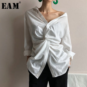 [EAM] 2021 New Spring Autumn White V-Neck Long Sleeve Irregular Cross Loose Personality Shirt Women Blouse Fashion Tide 1C069