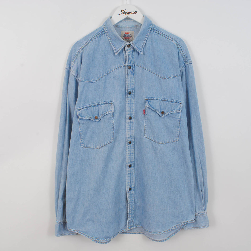 Vintage Levi's Denim Shirt In Light Blue Size L