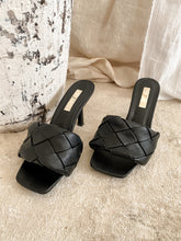 Load image into Gallery viewer, The Sandro Sandal