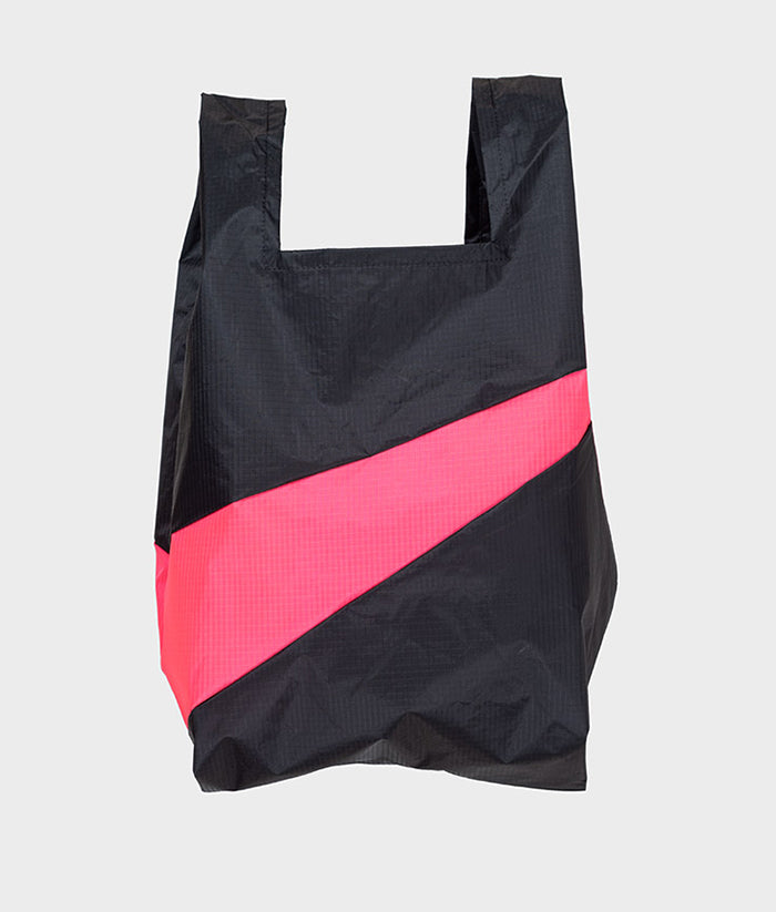 Waldraud-SusanBijl-ShoppingBag-Black-FluoPink