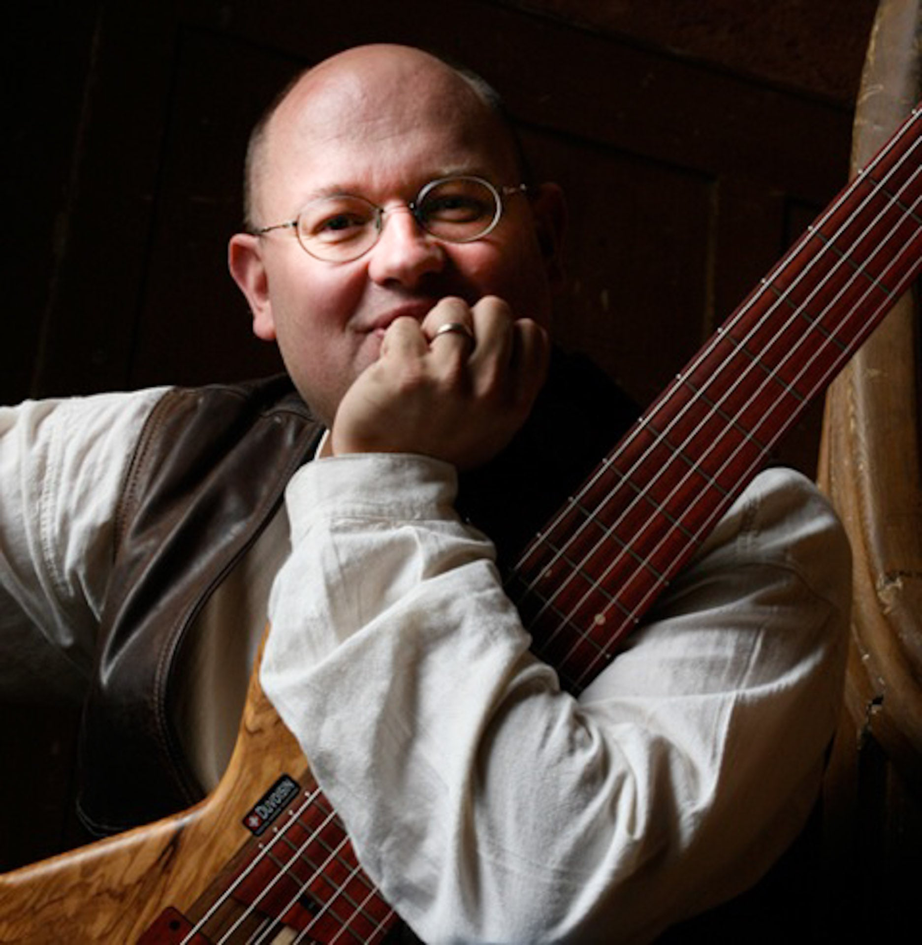 Pascal Kaeser plays Duvoisin Basses