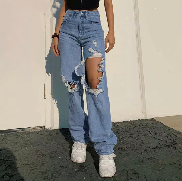 Extra Ripped Baggy Mom Jeans