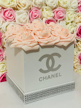 Load image into Gallery viewer, Square Chanel Rose Hat Box Bouquet
