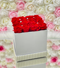 Load image into Gallery viewer, White Eternity Rose Box