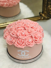 Load image into Gallery viewer, Rose Hat Box Bouquet