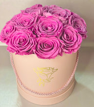 Load image into Gallery viewer, Round Pink Preserved Flower Box