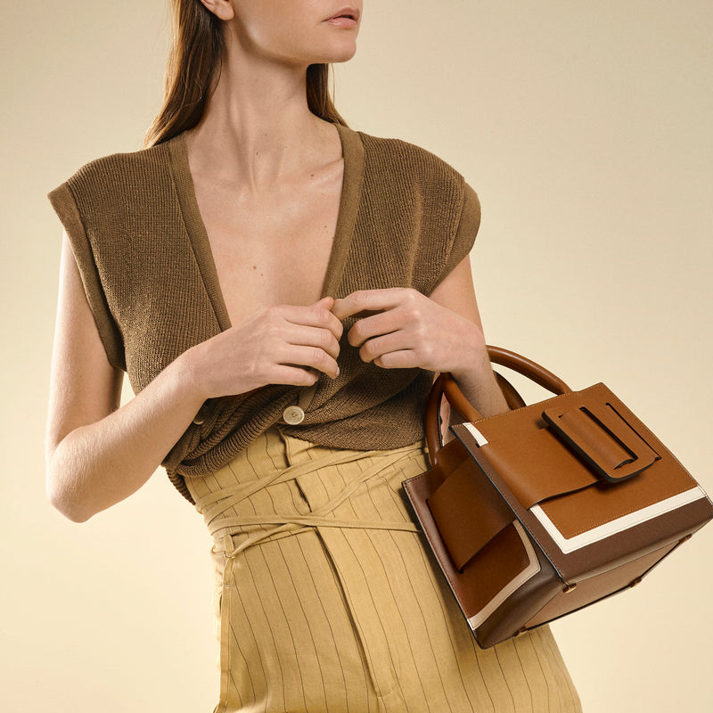Bobby 23 Bag in Tiramisu Brown Calfskin