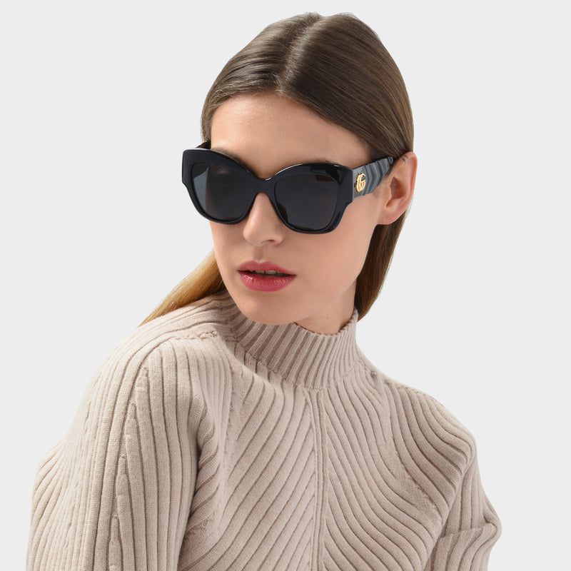 Sunglasses in Black Injection