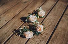 Load image into Gallery viewer, Buttonholes/Boutonnières