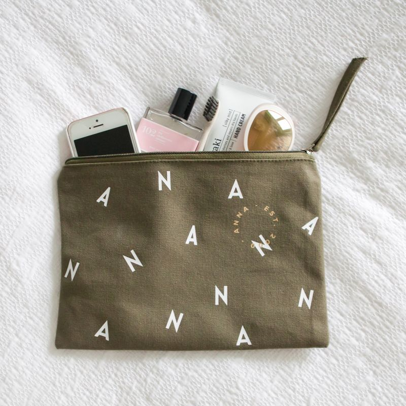 letters-all-over-pouch