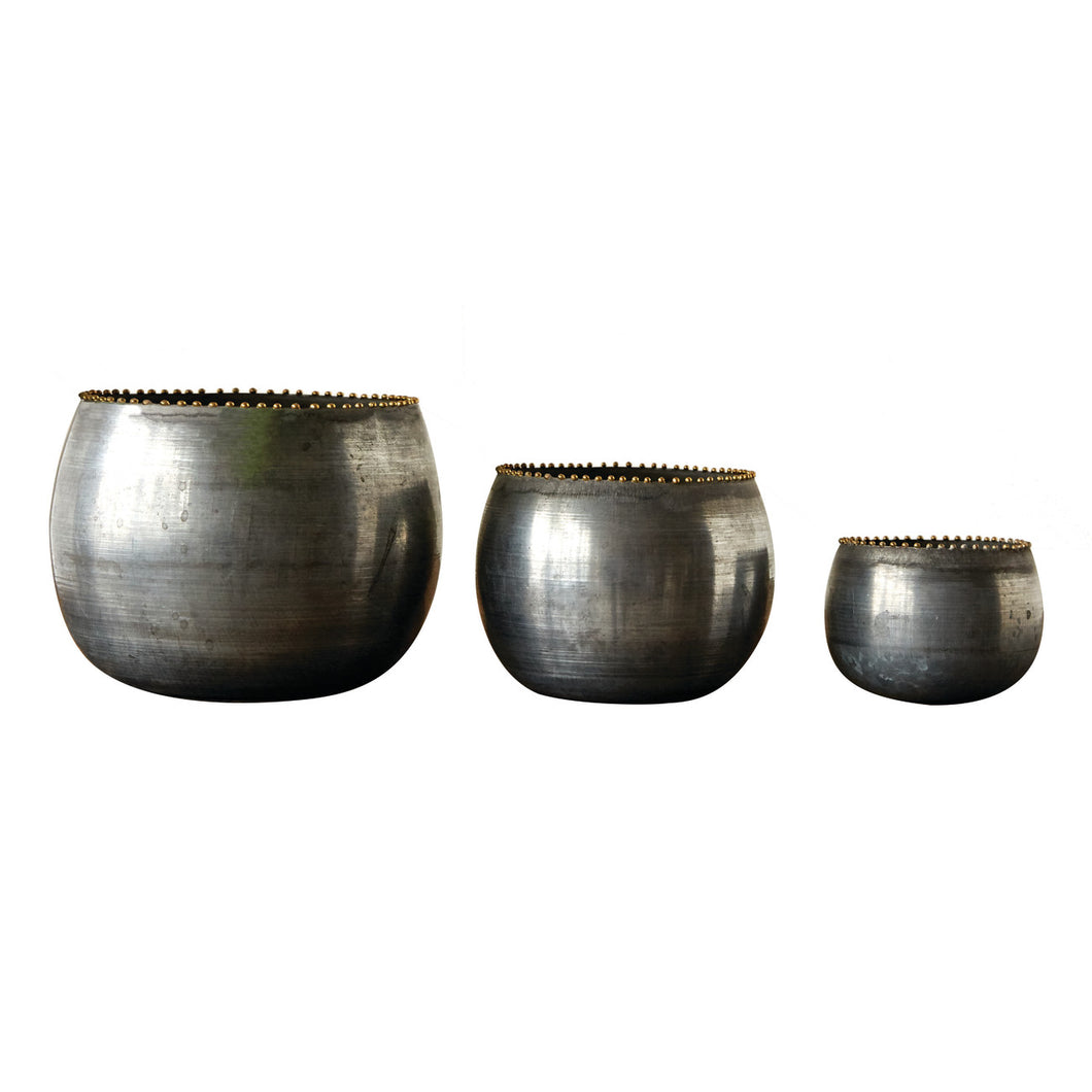 Round Metal Planter Trio with Zinc Finish (Set of 3 Pieces) Default Title
