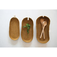 Load image into Gallery viewer, Decorative Handwoven Natural Seagrass Baskets (Set of 3 Sizes)