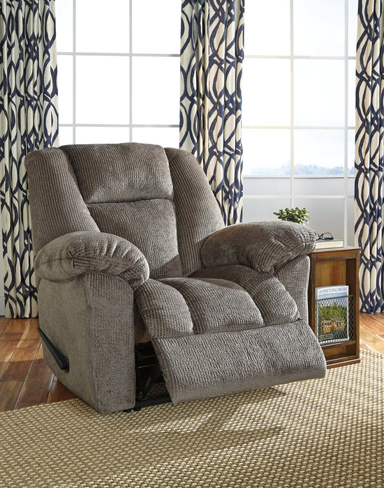 Nimmons Signature Design by Ashley Taupe Recliner