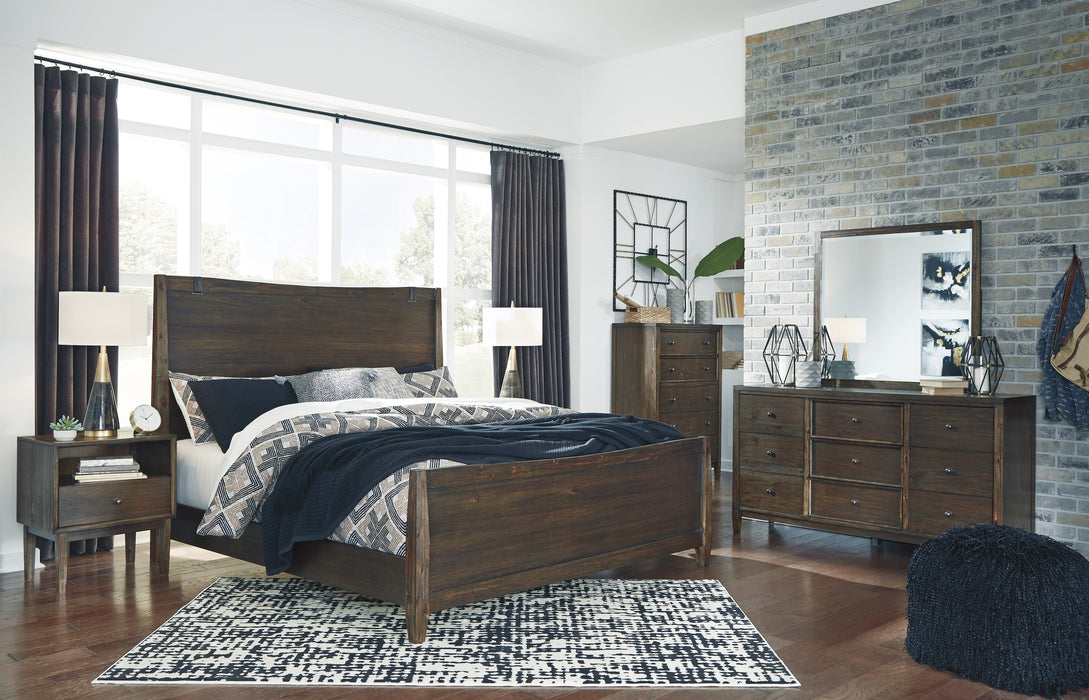 Kisper Signature Design 5-Piece Bedroom Set