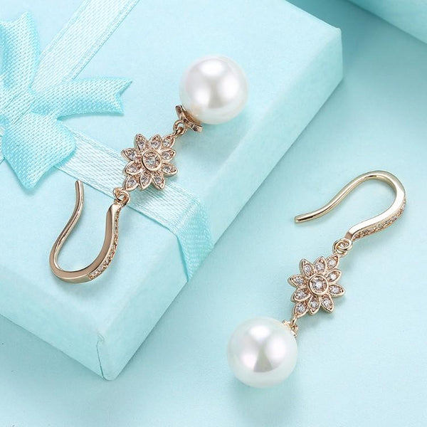 Swarovski Crystal Star Dangling Classic Pearl Earrings Set in 18K Gold