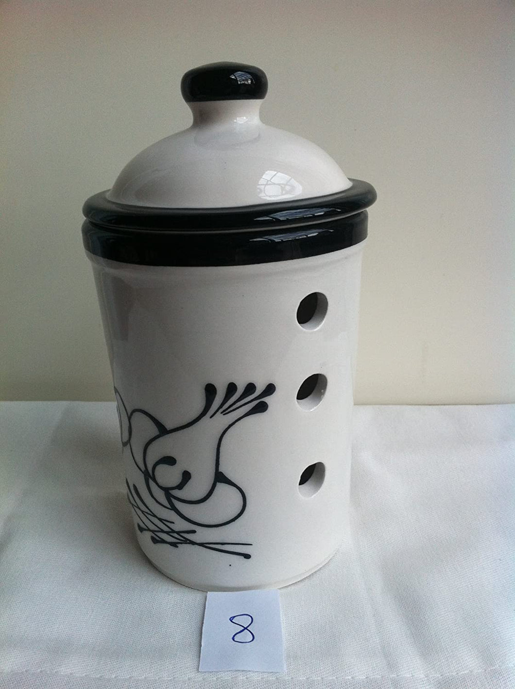 White Pot with Black Garlic Motif Garlic Keeper Pot (8)