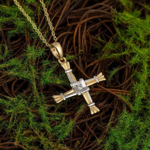 Solvar 14k Gold Diamond St Brigid's Cross
