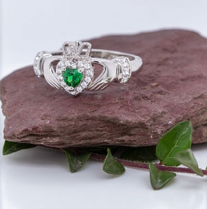 Solvar Silver Green Heart Claddagh Ring