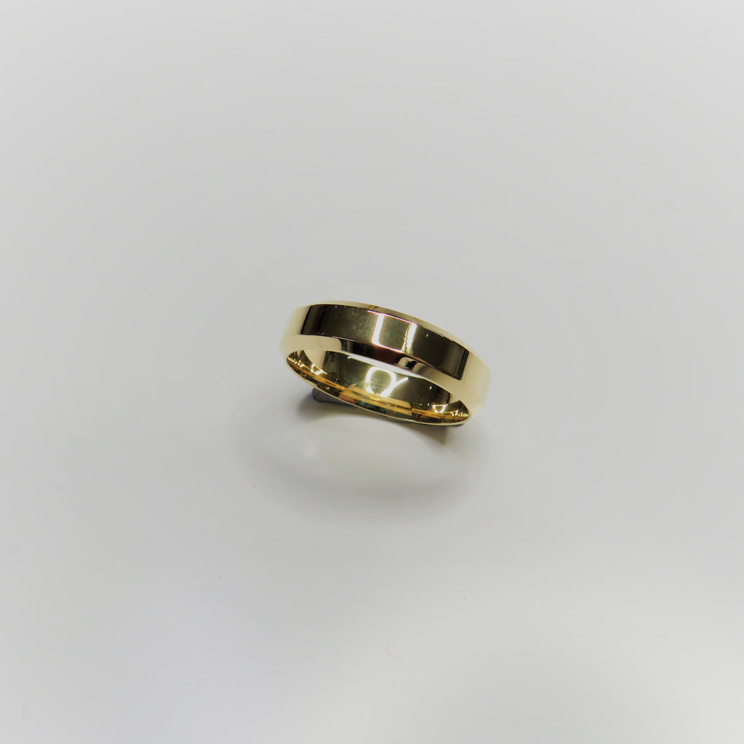 9ct Yellow Gold 5mm Bevelled Edge Wedding Band