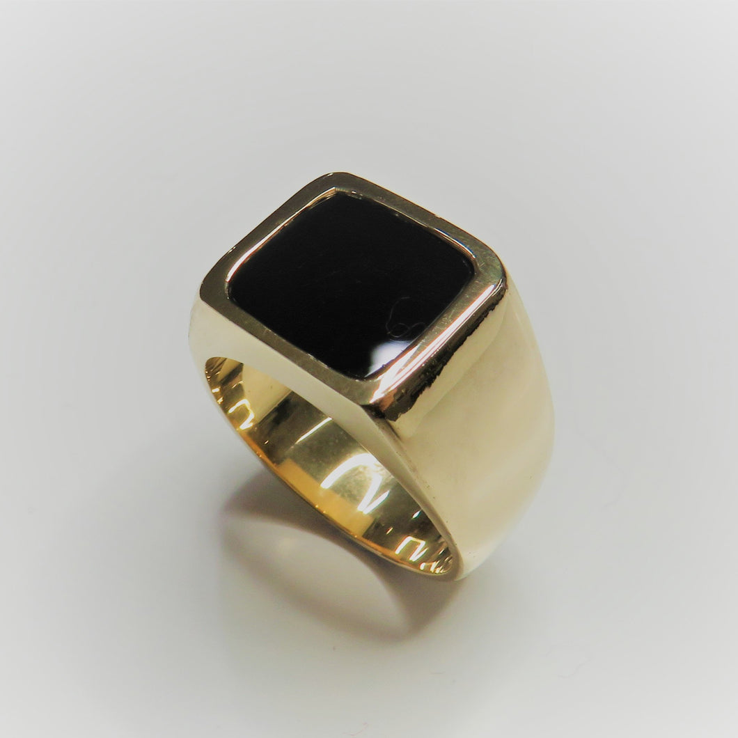 9ct Yellow Gold Onyx Signet Ring