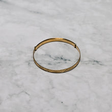Load image into Gallery viewer, 9ct Yellow Gold Baby Expanding Bangle with Diamond Cut & Frosted Finish