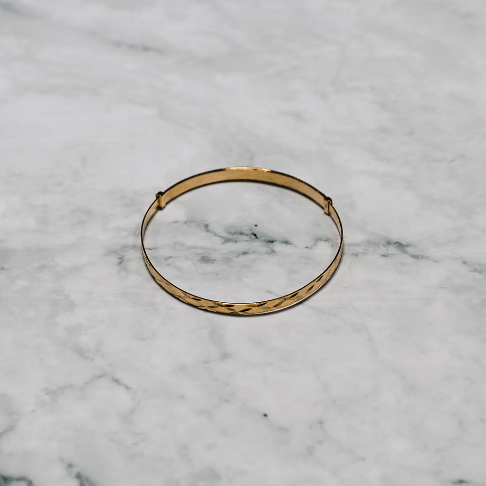 9ct Yellow Gold Baby Expanding Bangle with Diamond Cut Finish