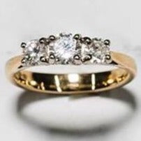 18ct Yellow Gold Triology Ring with Trellis Setting