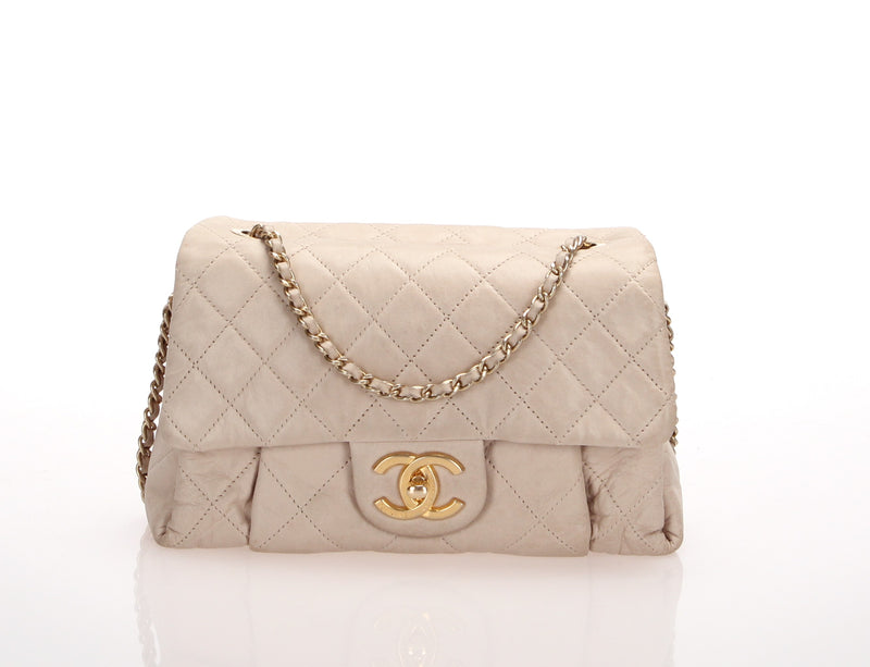 <transcy>Chanel Matrasse Chain Shoulder</transcy>