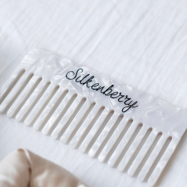 The Silkenberry Signature Wave Comb & Claw Clip