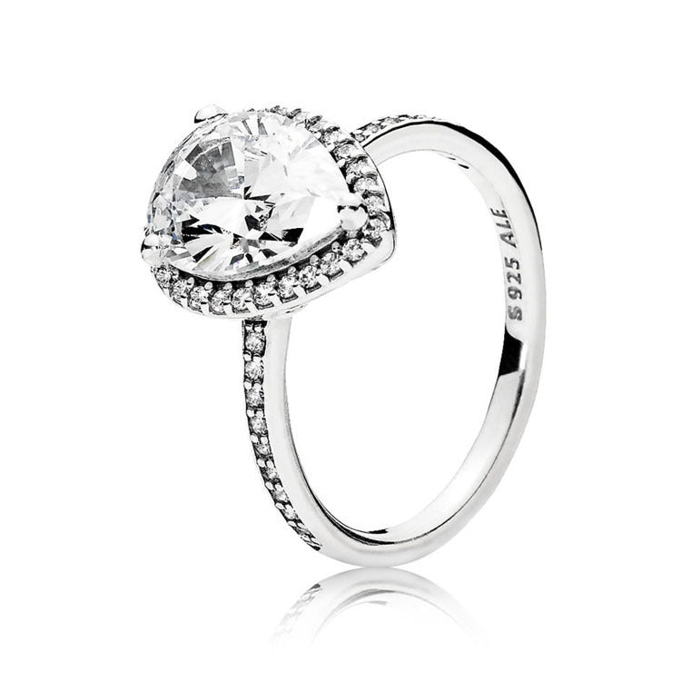 Pear-shaped center stone ring