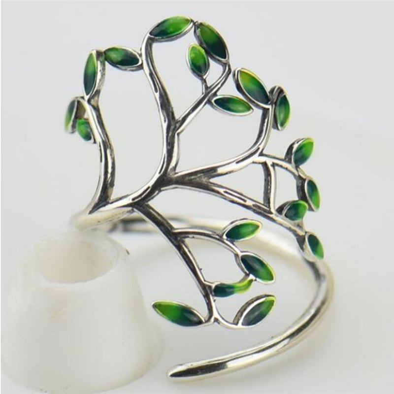 Green leaf branch ring