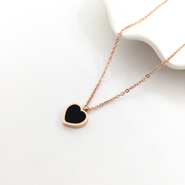 New simple titanium steel black and white double-sided shell love clavicle chain plated 18K rose gold color gold necklace female short chain