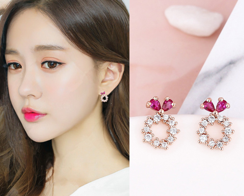 Pink diamond earring