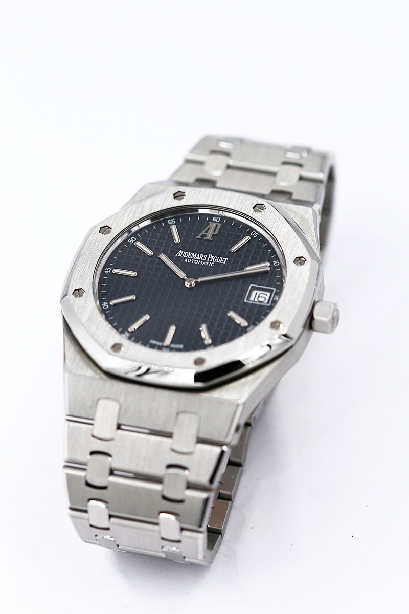 AUDEMARS PIGUET <br> Royal Oak Jumbo Extra Thin