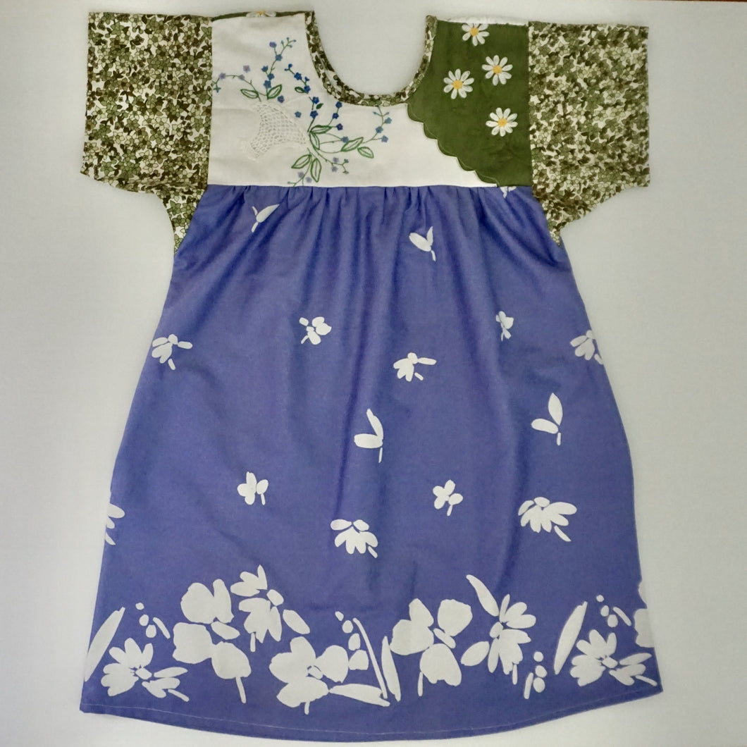 Size Small Green Daisy Smock Dress