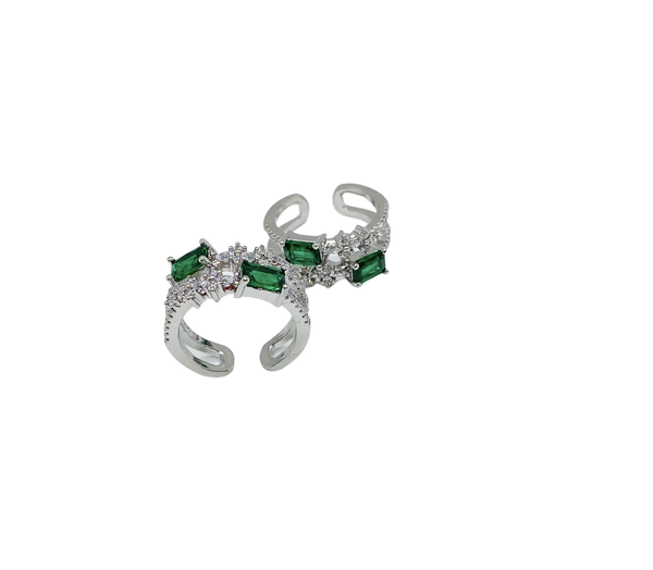 TWO-STONE EMERALD RING
