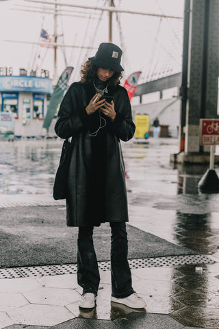 All black bucket hat outfit