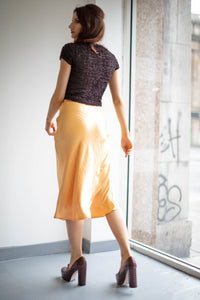 The Faith Skirt in Crinkle Peach