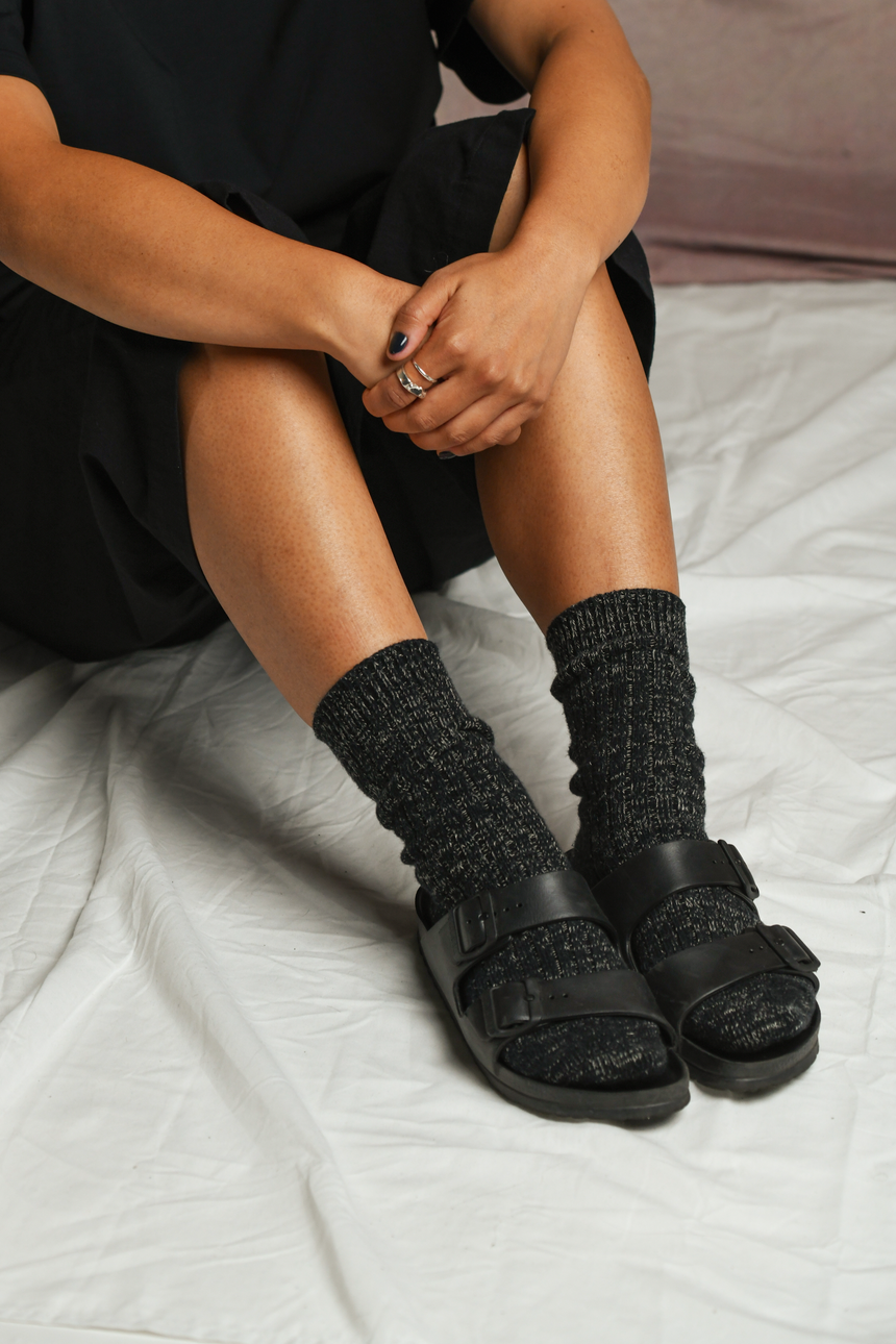 Cotton Linen Rib Socks in Black