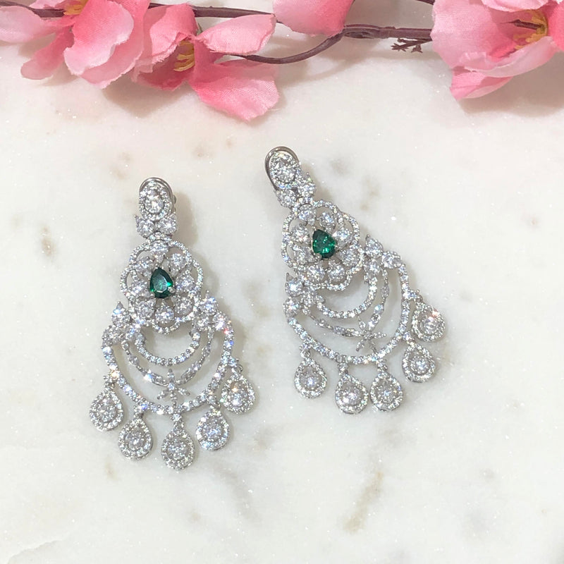 Medley of Sparkling Diamonds - Sneha Rateria Store
