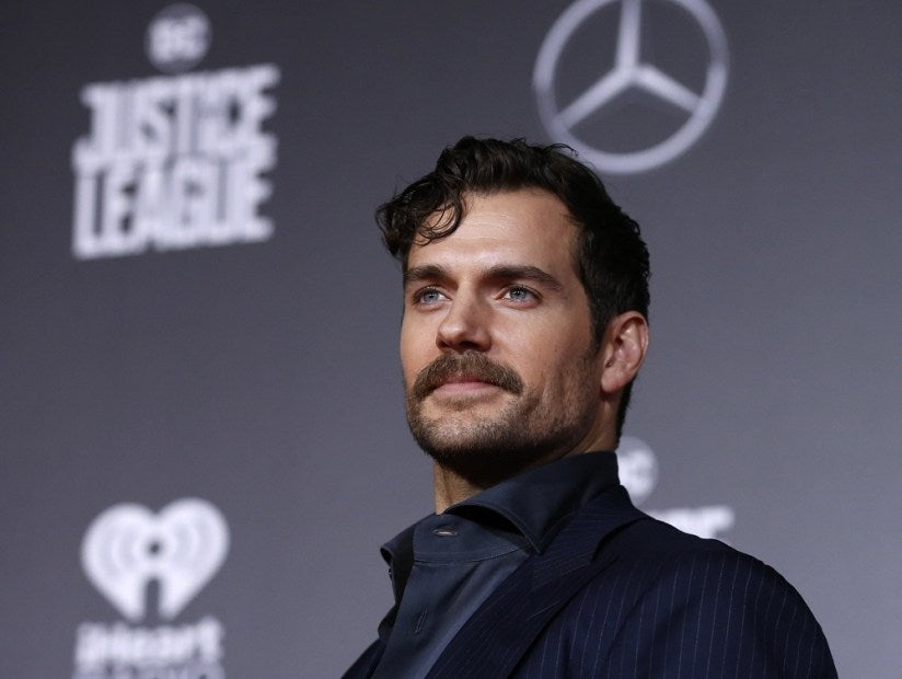 Superman Henry Cavill's 'Justice League' World Premiere Interview Video