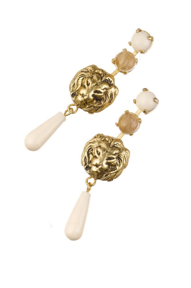 Chic lion post earrings