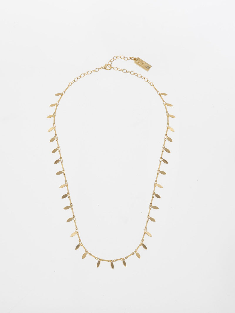Nivi chain - a delicate metal Leaves chain plated with a high-quality 24K yellow gold plating.