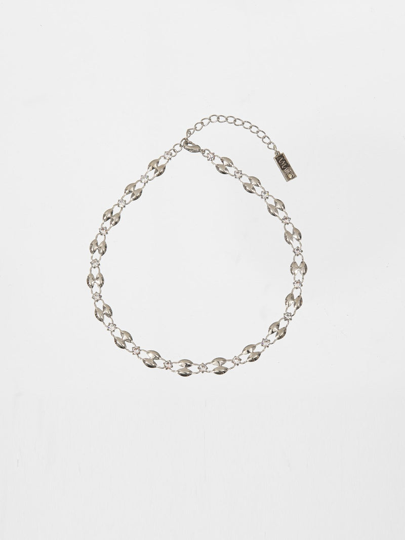 kate chocker- a classic and delicate necklace set with tiny Swarovski crystals. The necklace is plated with a quality silver plating. T