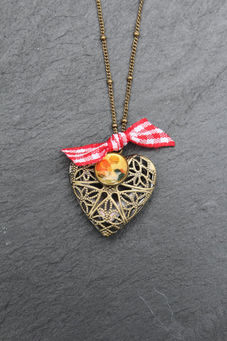 Limited Addition Dainty Filigree Heart Short Necklace