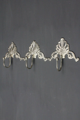 Metal Scalloped Coat Rack In Antique Silver -37cm