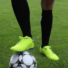 Load image into Gallery viewer, Hawkwell Men's Outdoor Firm Ground Soccer Cleats